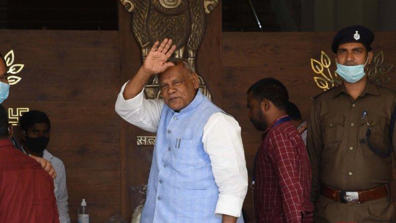Door open for Manjhi to join Mahagathbandhan: Tej Pratap