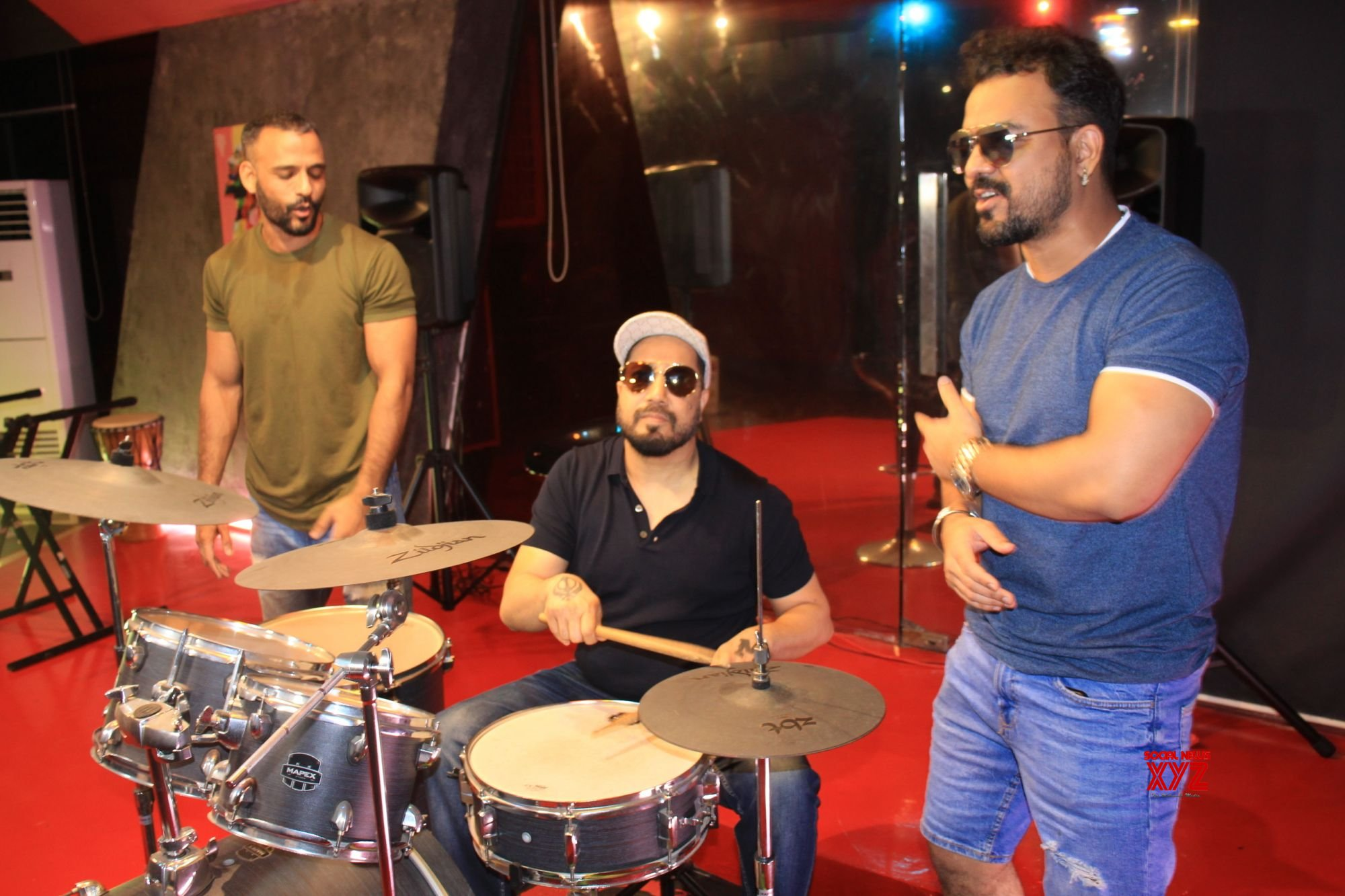Mika Singh Celebrates The Success Of KRK Kutta Song - Gallery