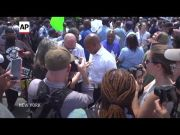 New York City mayoral race heats up as vote looms (Video)