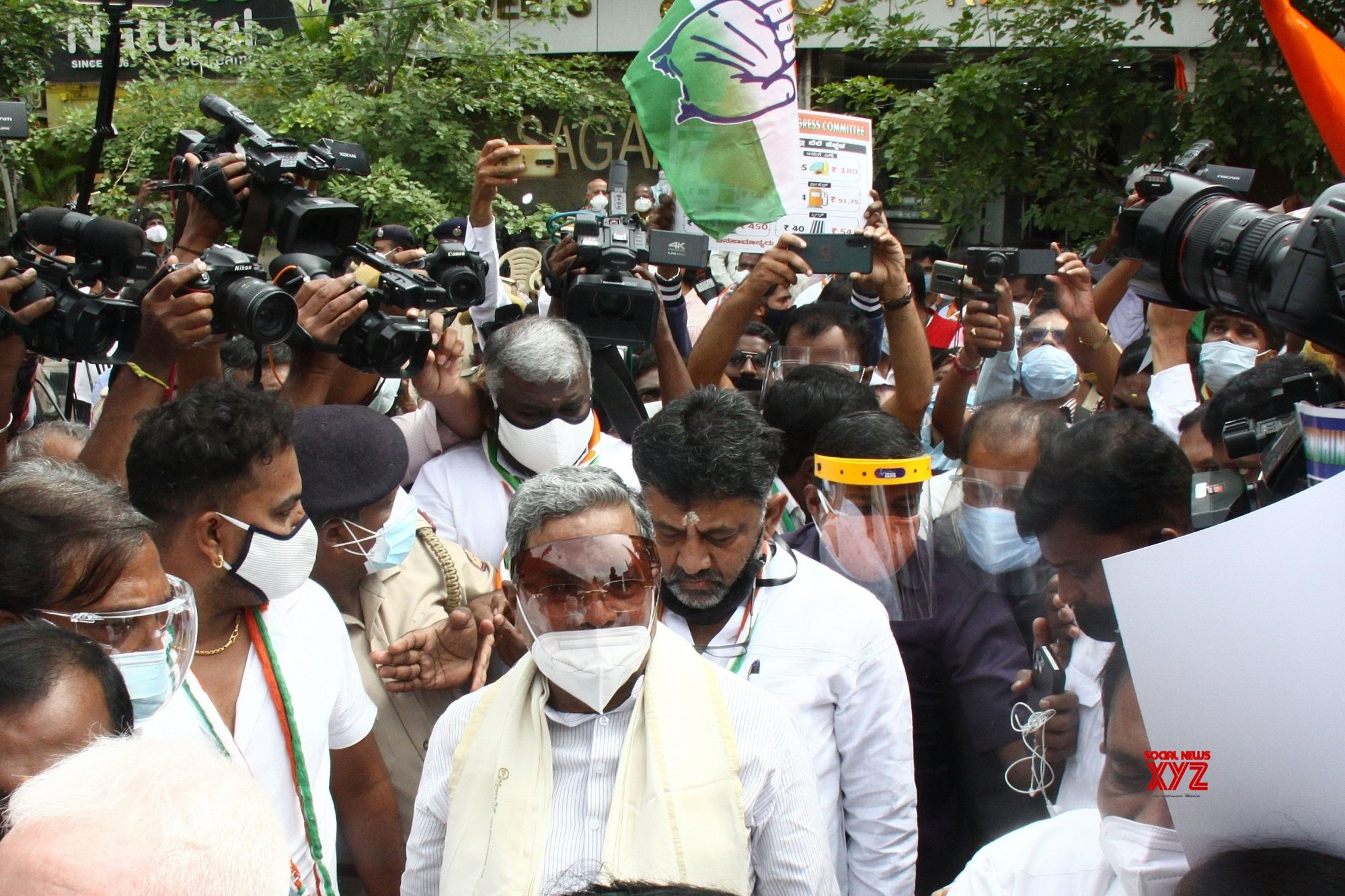 Karnataka Congress leaders held for protesting fuel price hike