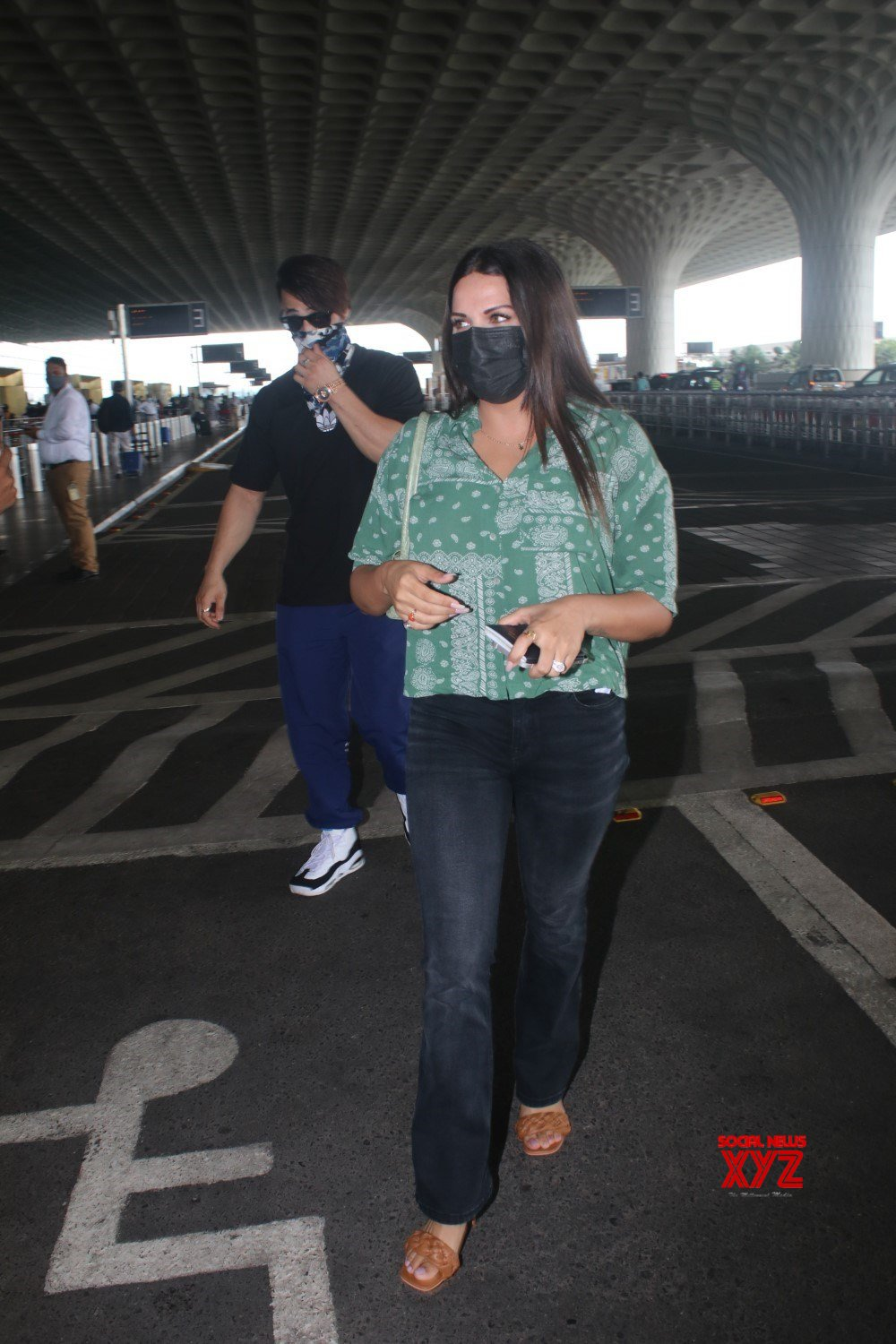 Asim Riaz And Himanshi Khurana Spotted At Airport Departure - Gallery