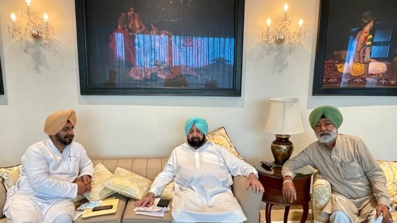 Finally, Amarinder agrees to attend Sidhu's 'coronation'