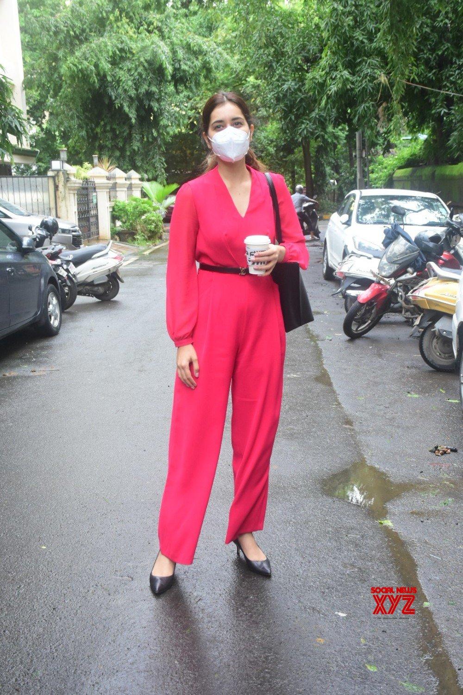 Actress Rashi Khanna Spotted At Salon In Bandra - Gallery