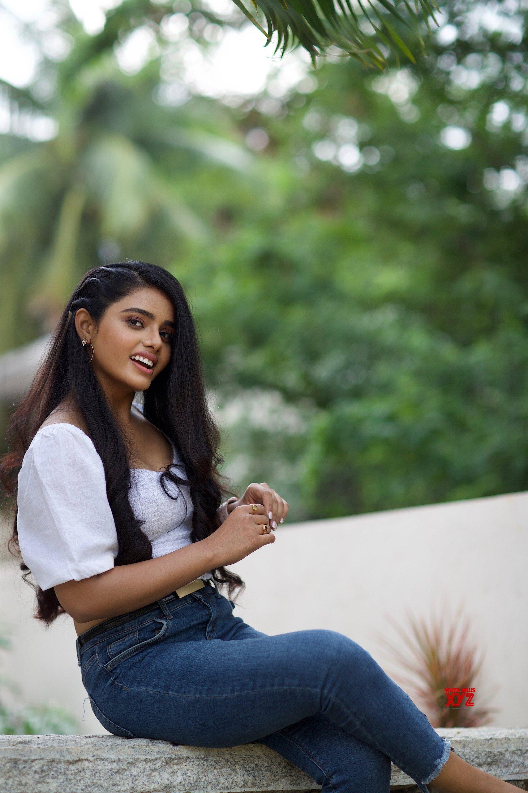 Actress Sumaya Reddy Glam HD Stills