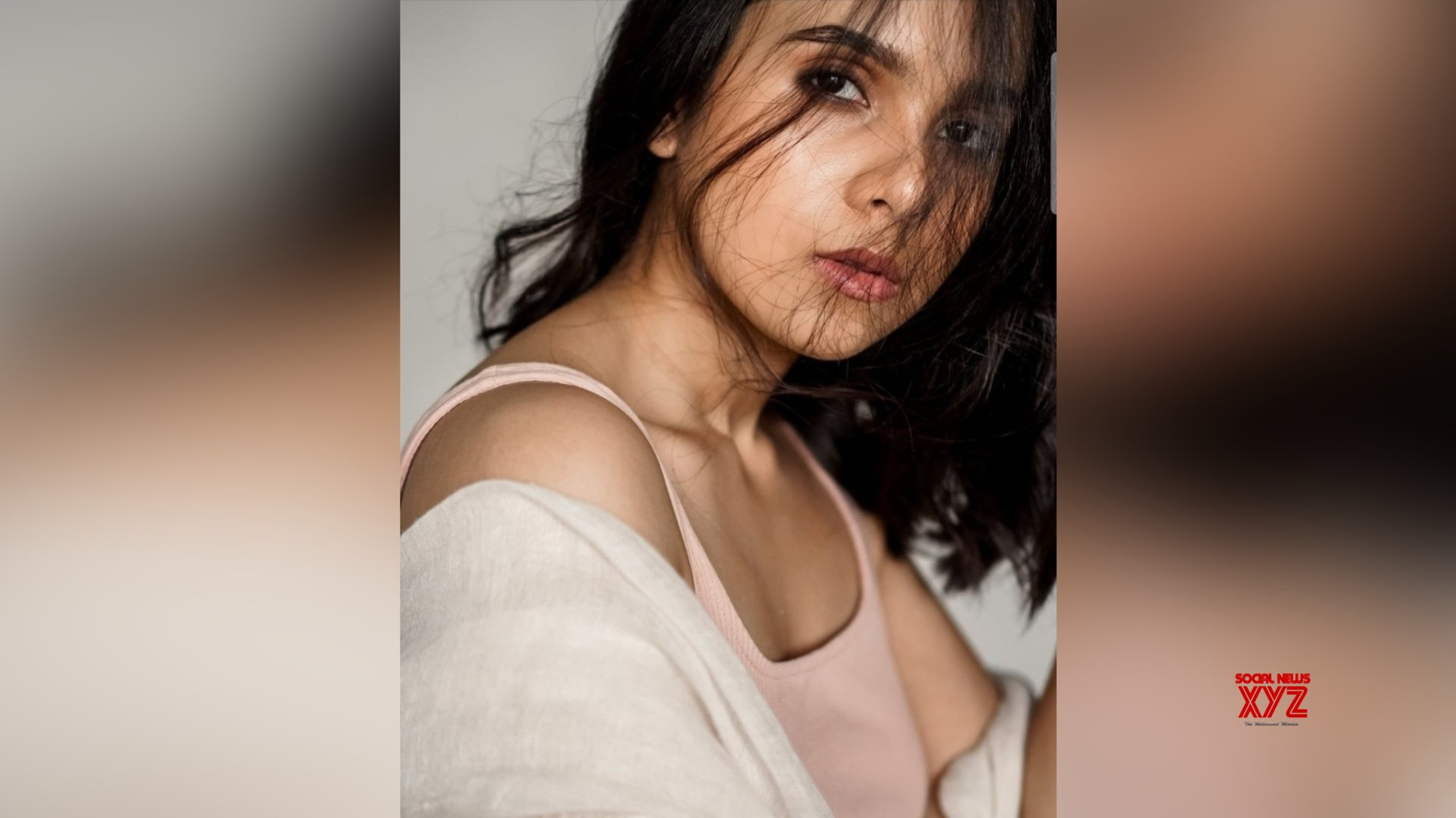 Rashmi Agdekar's new pictures on her Instagram is captivating hearts on the Internet