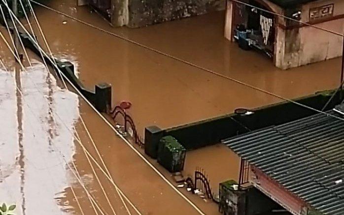 Rain batters coastal, western Maharashtra; thousands marooned