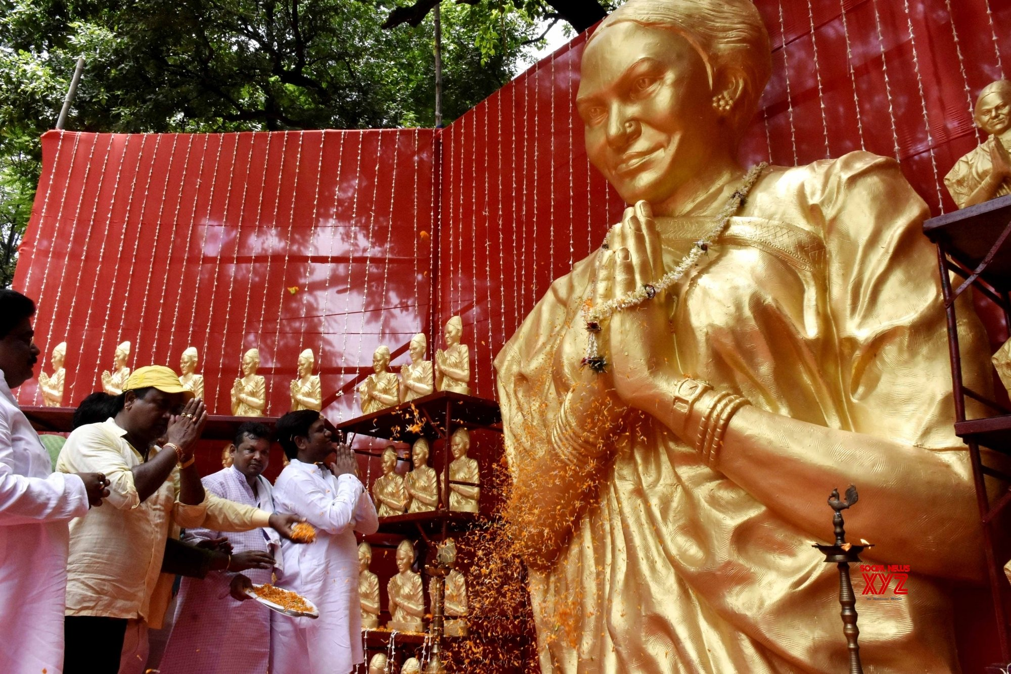 Patna: Mukesh Sahani is - Minister of Livestock and Fisheries honors Phoolan Devi on his birthday at his residence in Patna.  #Gallery