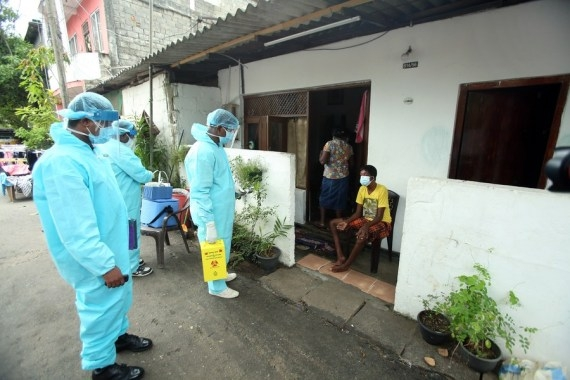 Sri Lankans urged to remain cautious despite dip in Covid cases