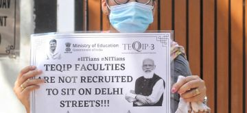 New Delhi : Assistant Professor of TEQIP hold a silent protest outside Education Ministry for their demand of permanent job at Shastri Bhawan in New Delhi on Tuesday, September 14, 2021. (Photo: Wasim Sarvar/ IANS)