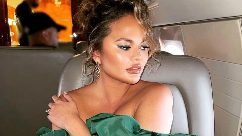 Chrissy Teigen has fat removed from her face