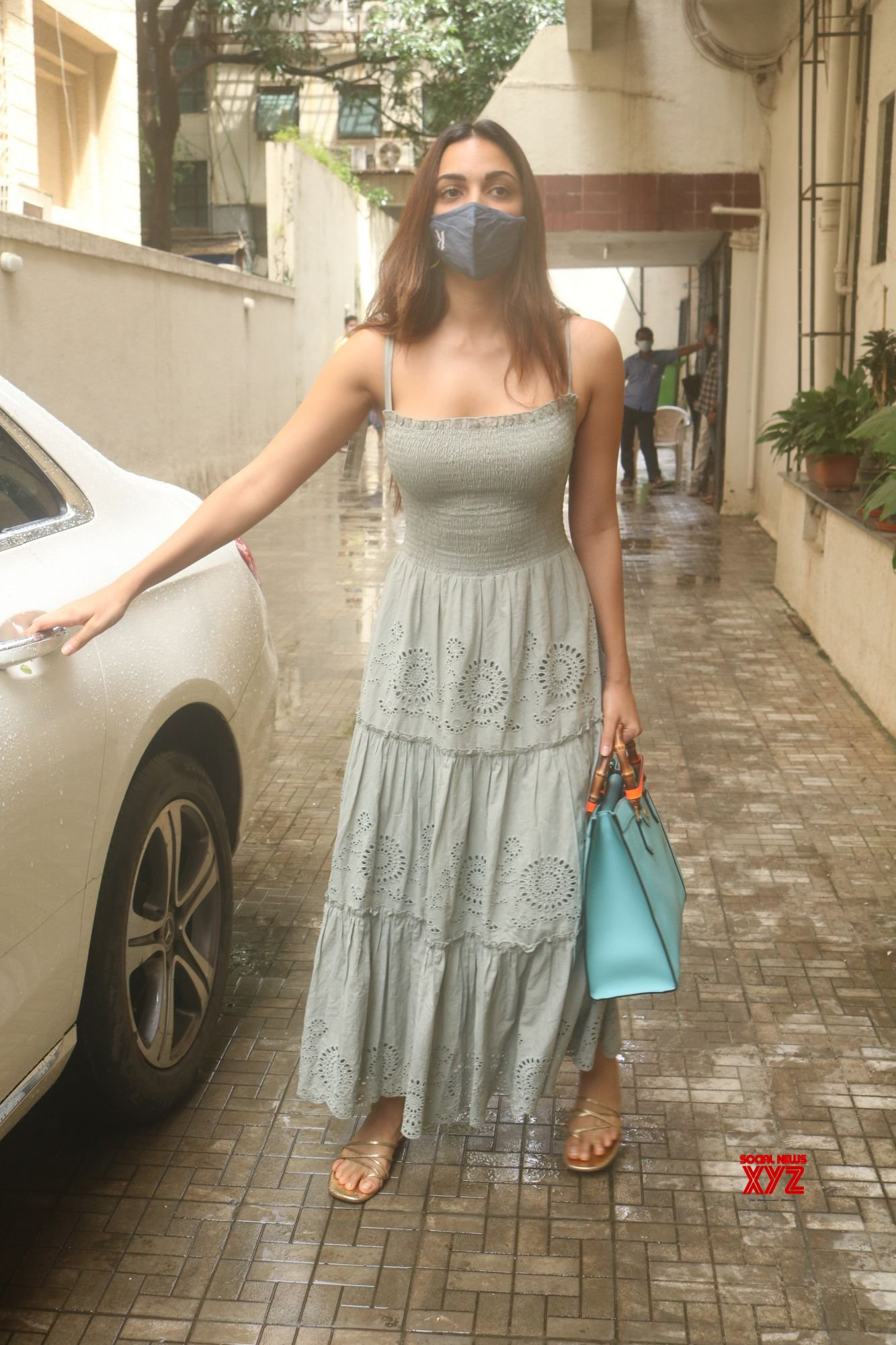 Actress Kiara Advani Spotted Outside Dharma Office In Khar - Gallery