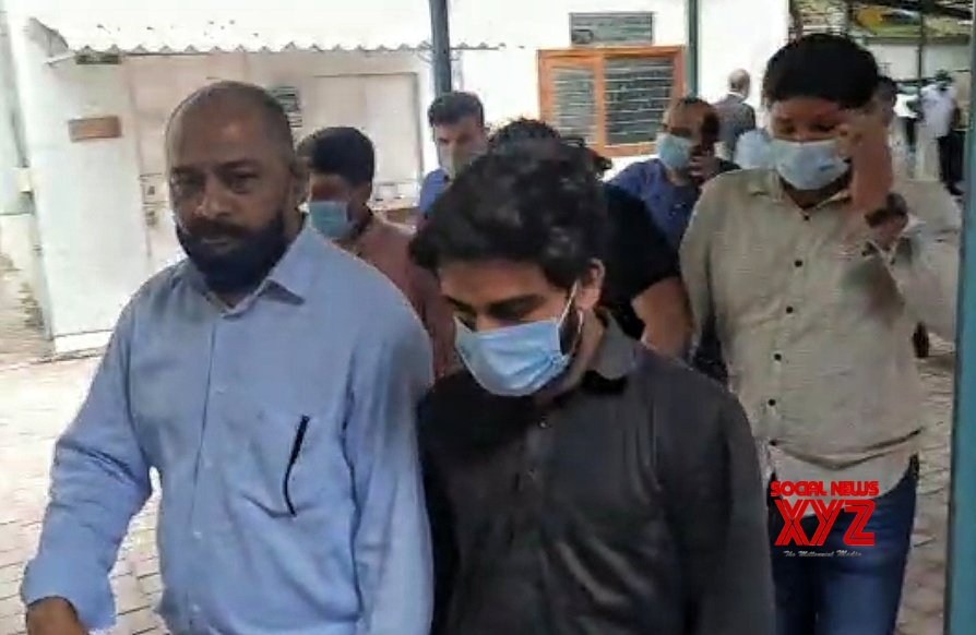 New Delhi: Police get 14 - day remand of 6 suspects accused of planning terror attacks #Gallery