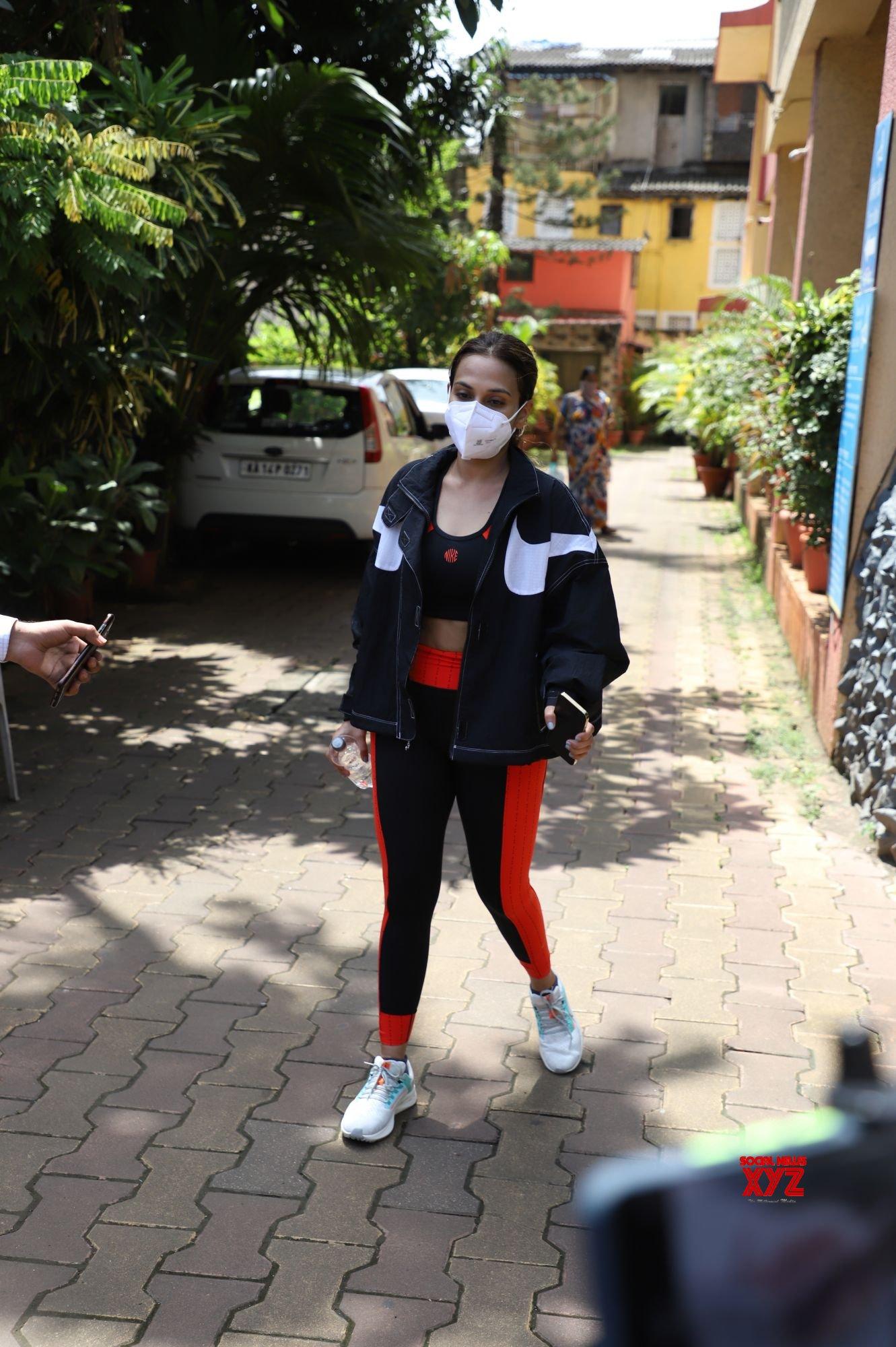 Malaika Arora And Rajinikanth Daughter Aishwarya Spotted Outside Diva Yoga In Bandra - Gallery