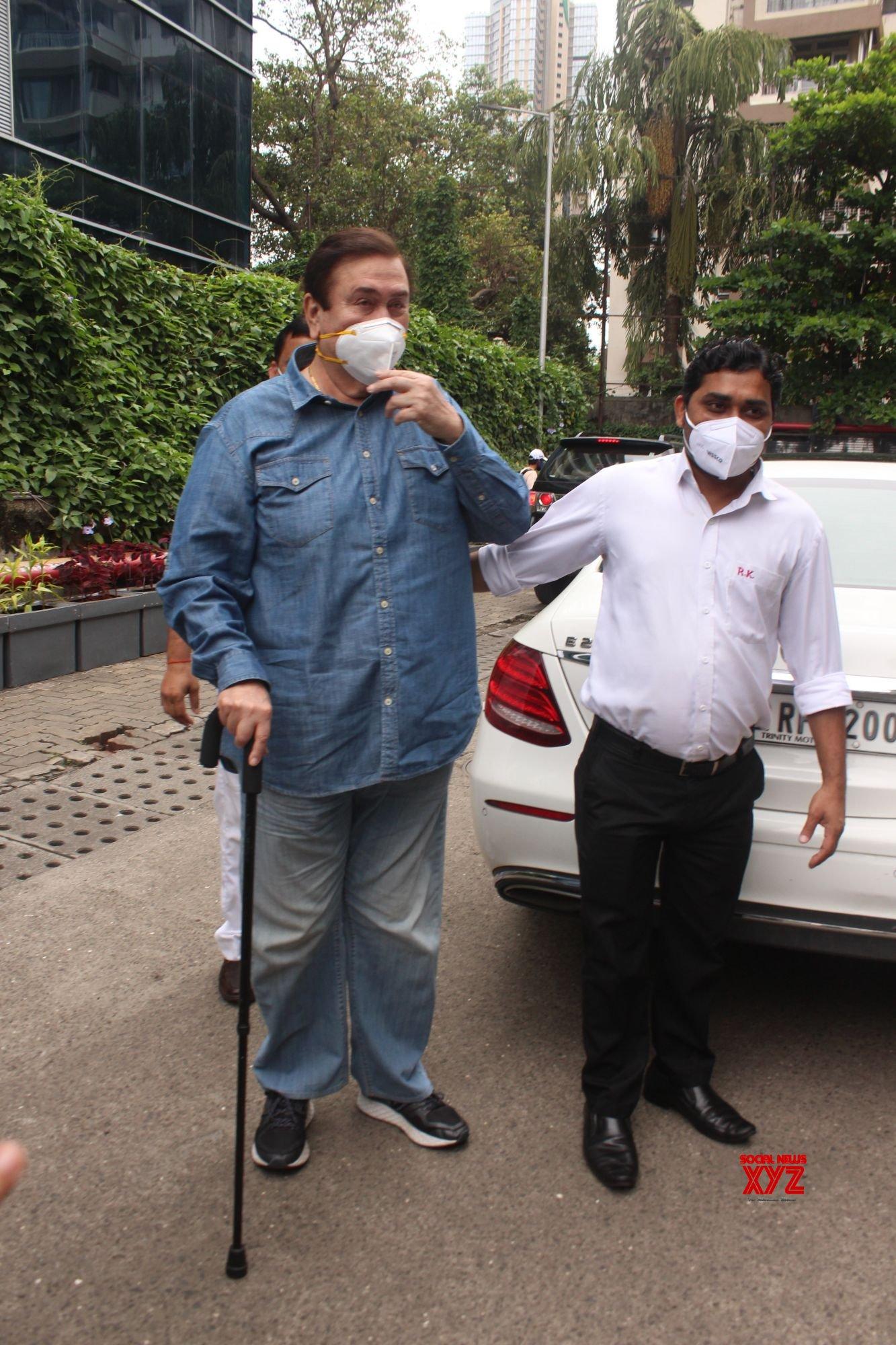Randhir Kapoor Spotted Outside Restaurant - Gallery