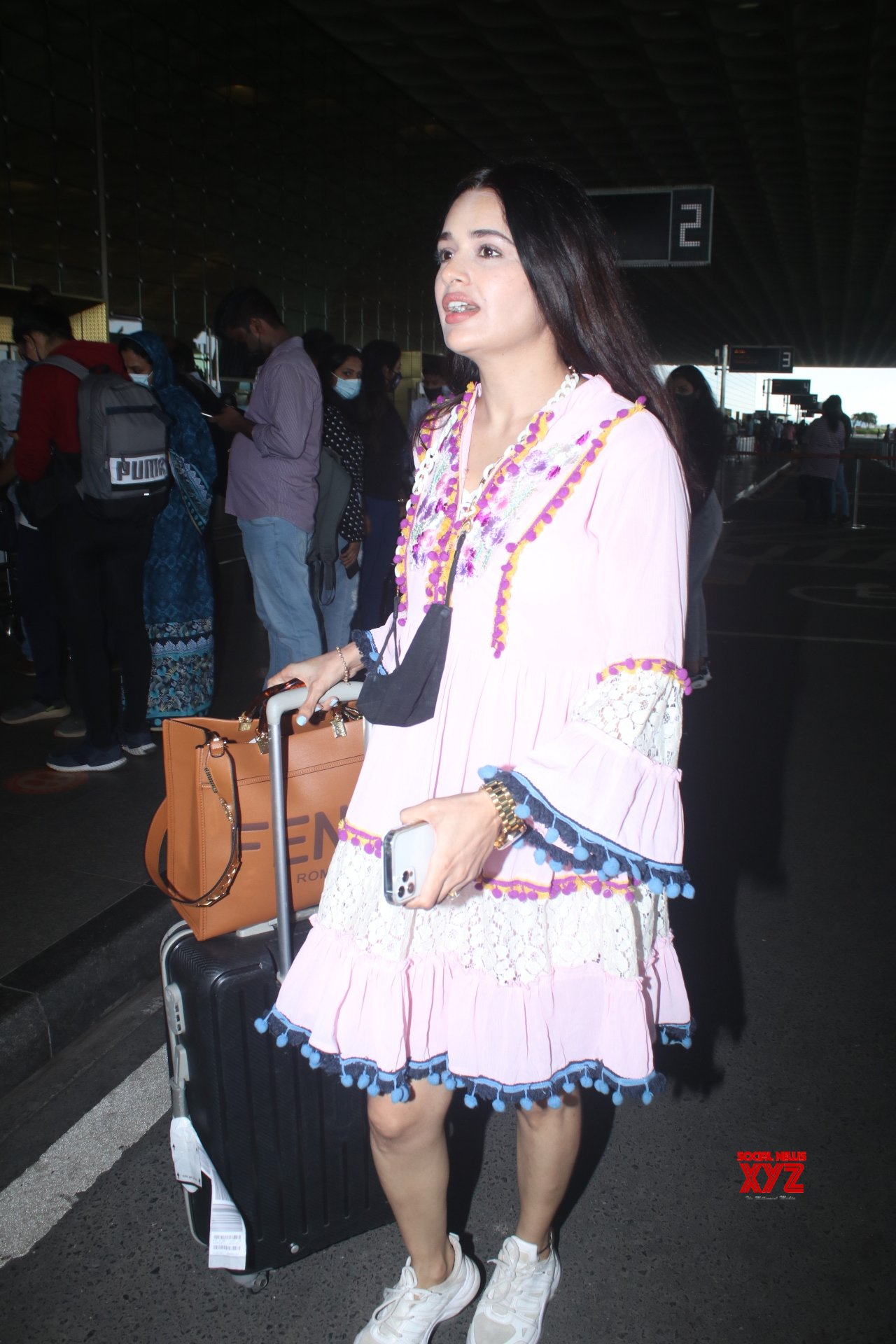 Yuvika Chaudhary Spotted At Airport Departure - Gallery