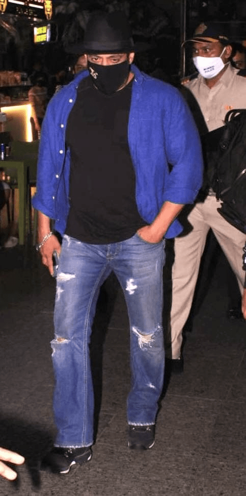 Salman Khan Spotted At Airport - Gallery