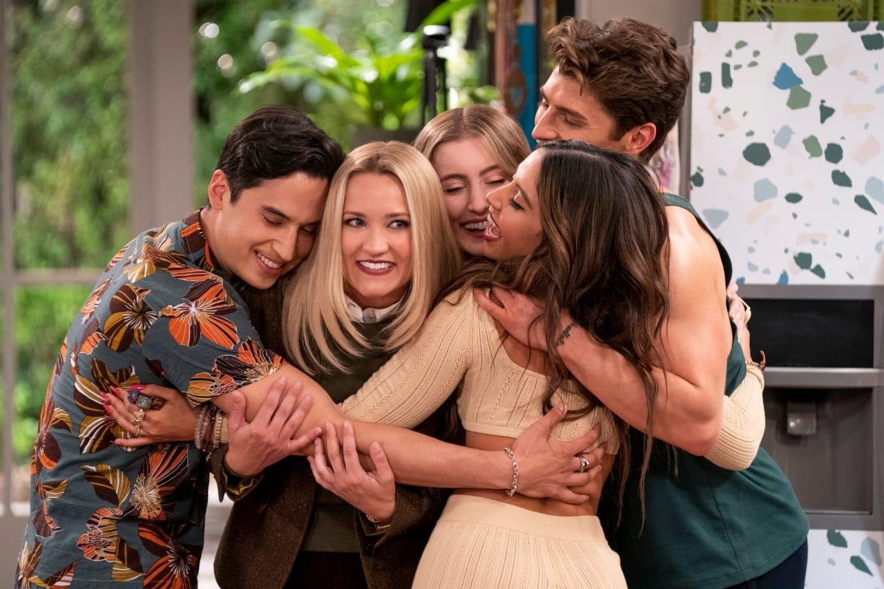 IANS Review: 'Pretty Smart': A mild, fun sitcom (IANS Rating: ***)