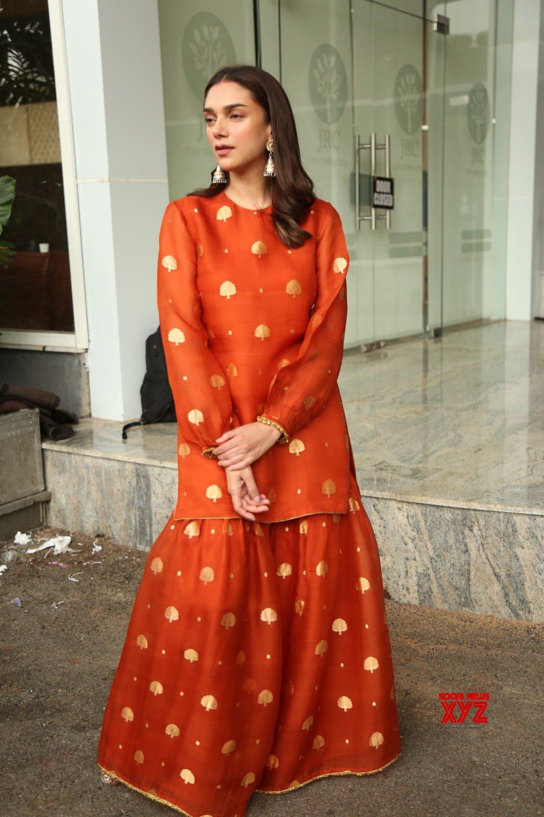 Actress Aditi Rao Hydari Glam Stills From Maha Samudram Movie Grand Release Press Meet