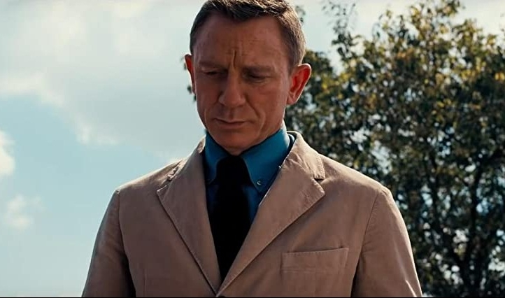 Daniel Craig says playing Bond has made him more 'trusting'