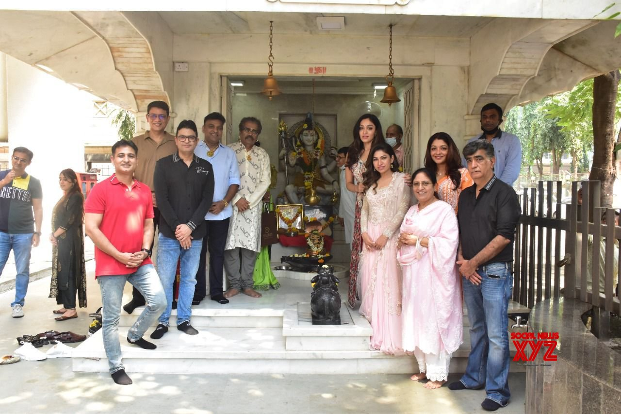 Bhushan Kumar takes the T-Series legacy ahead and celebrates 2 billion views of Shri Gulshan Kumar's Hanuman Chalisa by organising a langar
