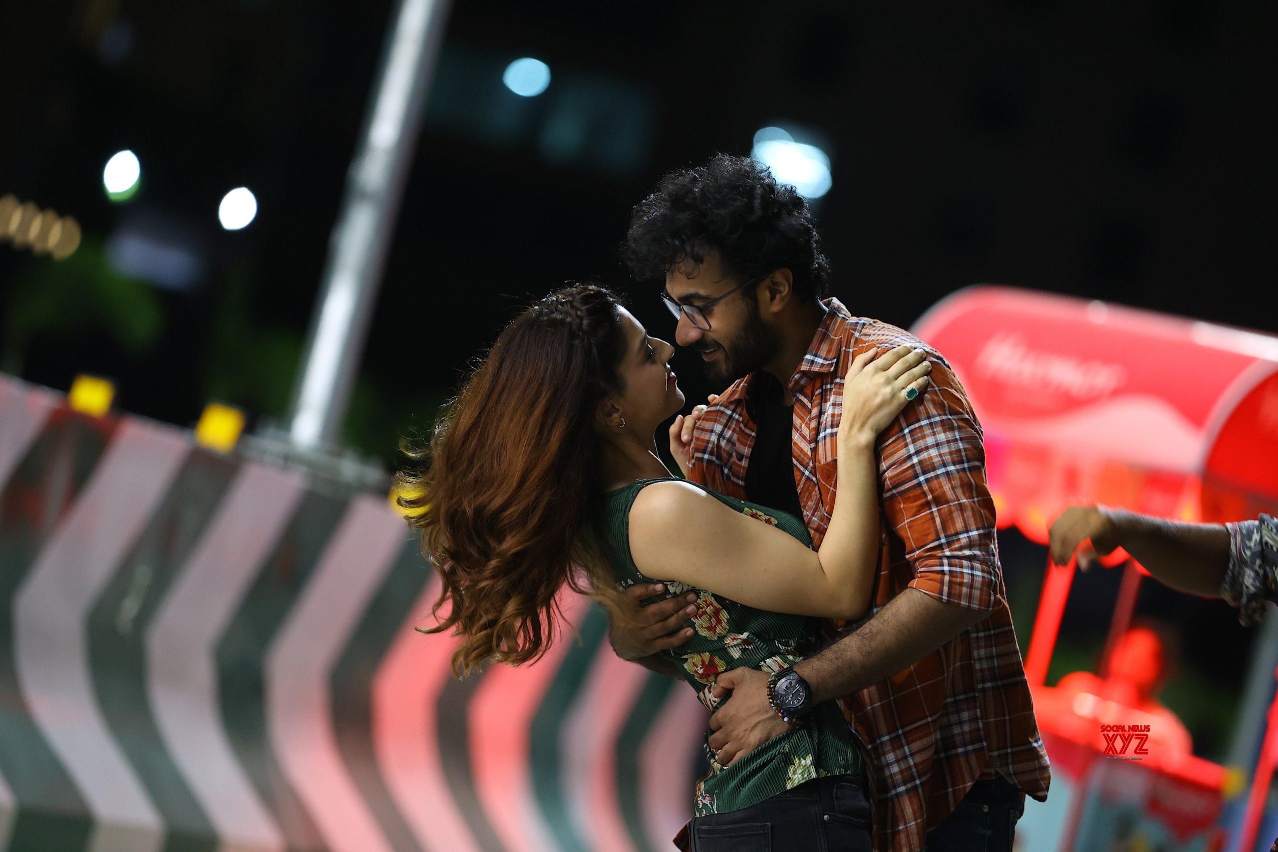 Santhosh Shobhan And Mehreen's Manchi Rojulu Vachayi Movie Teaser Released