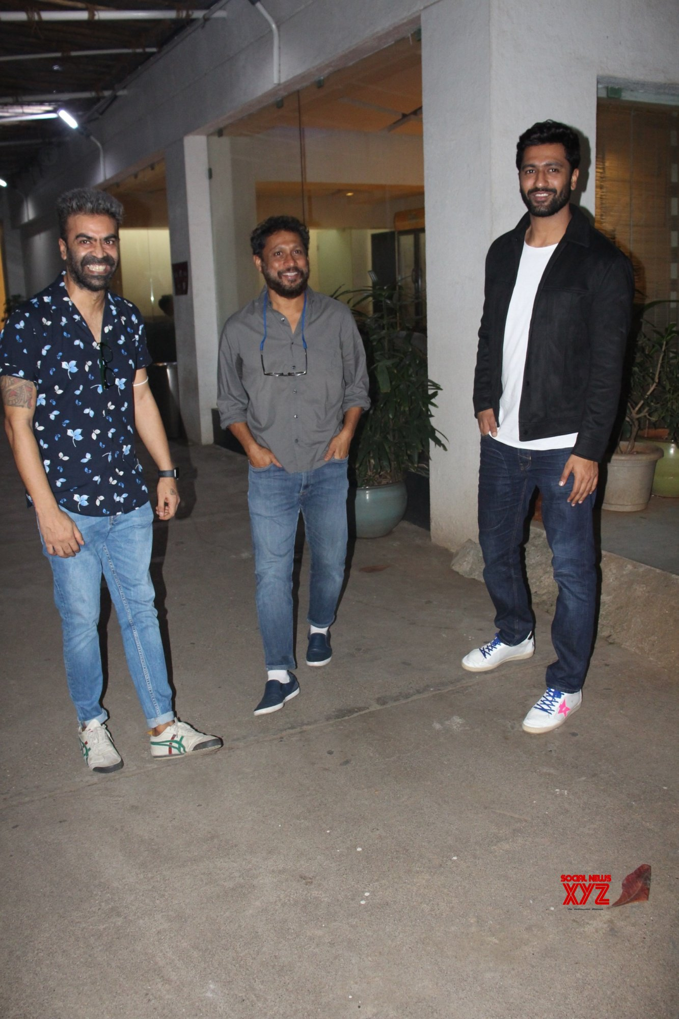 Vicky Kaushal And Shoojit Sircar Spotted At Screening Of Sardar Udham - Gallery