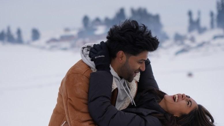 Guru Randhawa, Mrunal Thakur's 'snow fight' in Kashmir!