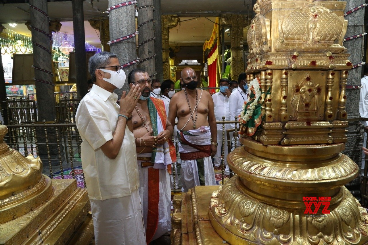 Hyderabad:Chief justice of India NV Ramana offer prayer to Tirumala Tirupathi temple #Gallery