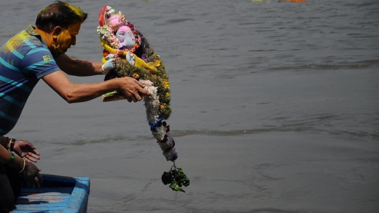 Durga Puja idol immersion prohibited in Yamuna, other water bodies: DPCC