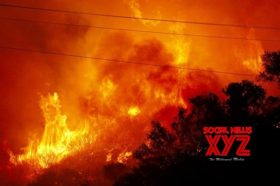 Flames and heavy smoke are seen in the Alisal Fire area, north of Santa Barbara County, California, the United States, Oct. 13, 2021 #Gallery