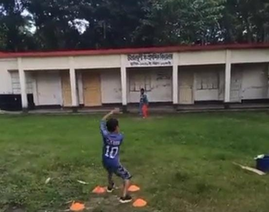 Wow! Tendulkar stunned by young leg-spinner's viral video