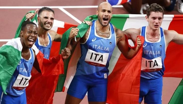 Facce da gioia olimpica