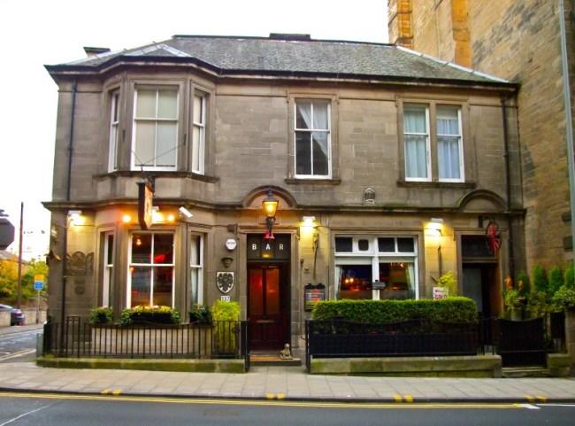 The-Canny-Mans-Pub-Morningside-Edinburgh-Scotland