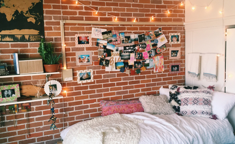 Consider your dorm room your new home away from home. Here is some inspiration from dorms at University of Toronto to make your dorm cute and cozy!
