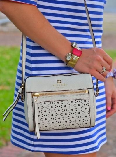 Crossbody bags are versatile bags that can be worn with anything!