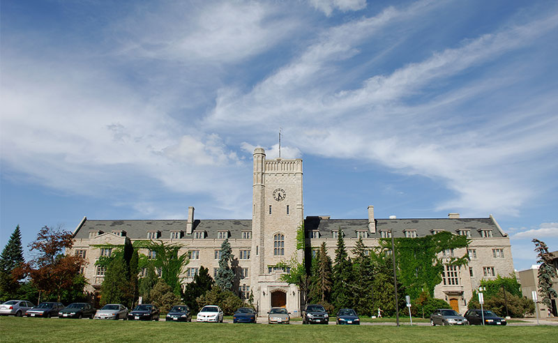 Starting at a university can be intimidating, but not as much when you know what to expect. Here are life saving tips for freshman at University of Guelph.