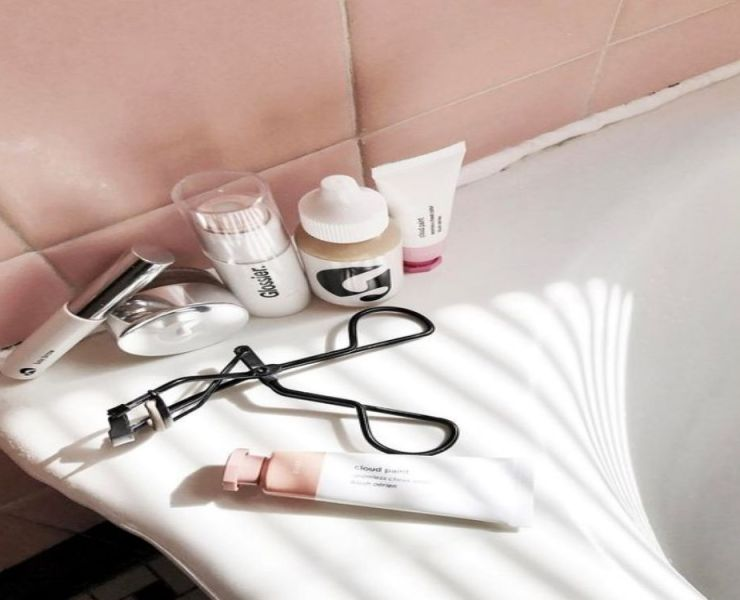 10 Morning Makeup Tips For That 9:45 Class
