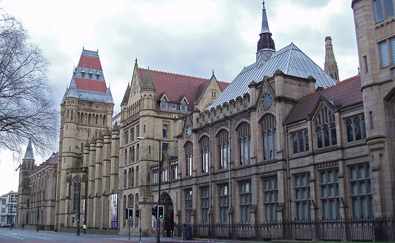 Choosing a university can be a difficult decision, but I know I made the right choice. Here are 5 reasons I chose to go to University of Manchester.