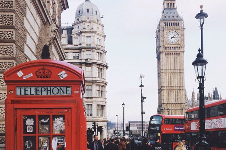 If you've ever been to London or especially if you've ever lived there you know that London is a world of it's own. Read on for tweets about London.
