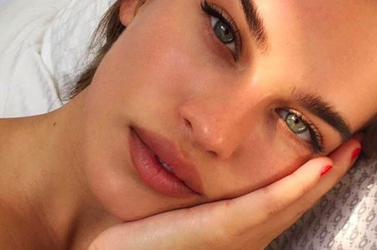 If you have sensitive skin, or are looking for all natural skin care that's free of chemicals, these simple skin care products are the best skincare items!