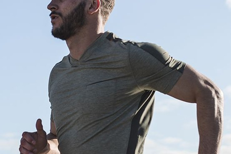 If you're looking for some gym clothes, then these websites have the best gym clothing for men that come at a cheap price! Whether you like Nike, Reebok, New Balance, or if the designer doesn't matter! These websites have sports clothing from all brands!