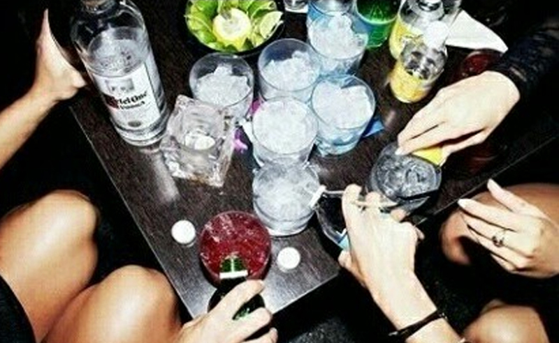 Nothing like a bit of night (and early morning) life to enrich your student experience. Here's a list of the 10 best clubs and the best bars in London for students that are fun and have cheap drinks!