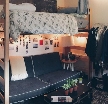 This list of uni essentials is the ultimate checklist you need you need for your bedroom, flat, or more! These are the items you can NOT forget to bring!