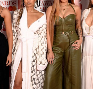 What other place to get fashion inspiration then the Brit Awards? These are the Brit Awards fashion trends that we fell in love with on the red carpet!