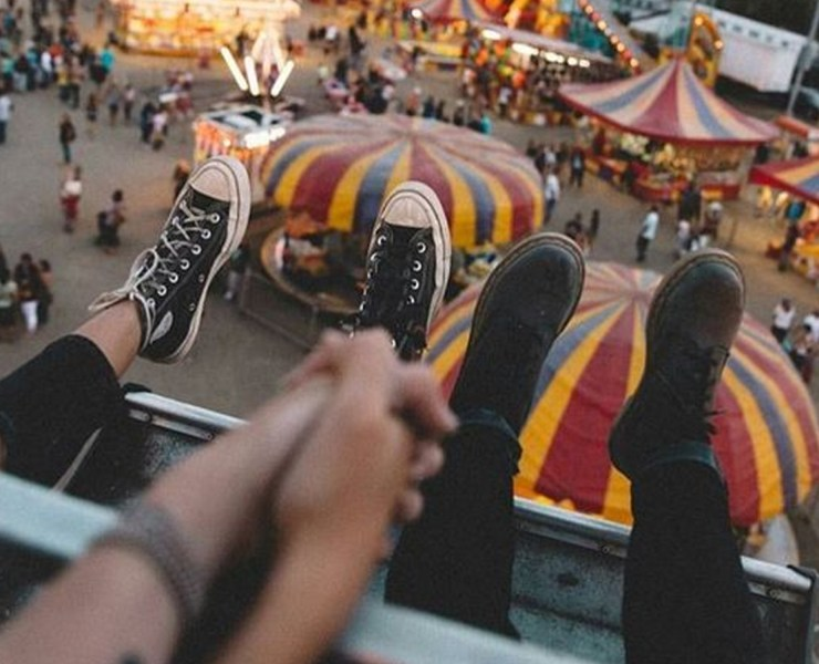 """If you're thinking about starting a long distance relationship, then these are the key """"how-to's"""" when it comes to making it successful. Although these relationships are tough, there's always ways to make it work!"""