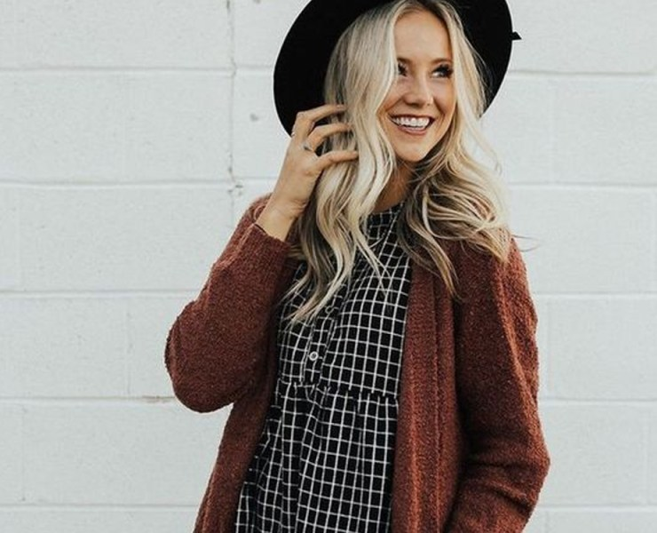 Jump into your new spring wardrobe by throwing an oversized knit cardigan over that dress or classic white tee. Slowly transition into your warm weather clothes with comfy long cardigans. From silky blouses to button downs to flared trousers, an oversized knit cardigan adds comfort and style to any of these looks.
