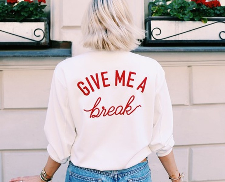 Go out on a shopping trip for the new spring season to stock up on cute cheap bomber jackets. Whether you prefer florals, neutrals, colour blocking or satin sheens, we have a great pick for you!