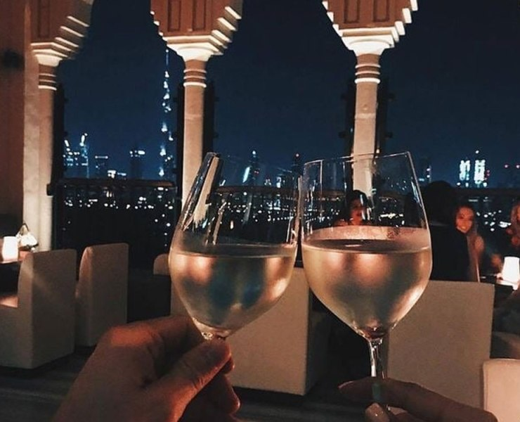 Newcastle has a few cosy and romantic places to eat that would be great for a date. Whether it's with your long-term partner or a tinder date, this list of the best date night restaurants in Newcastle will have something for you