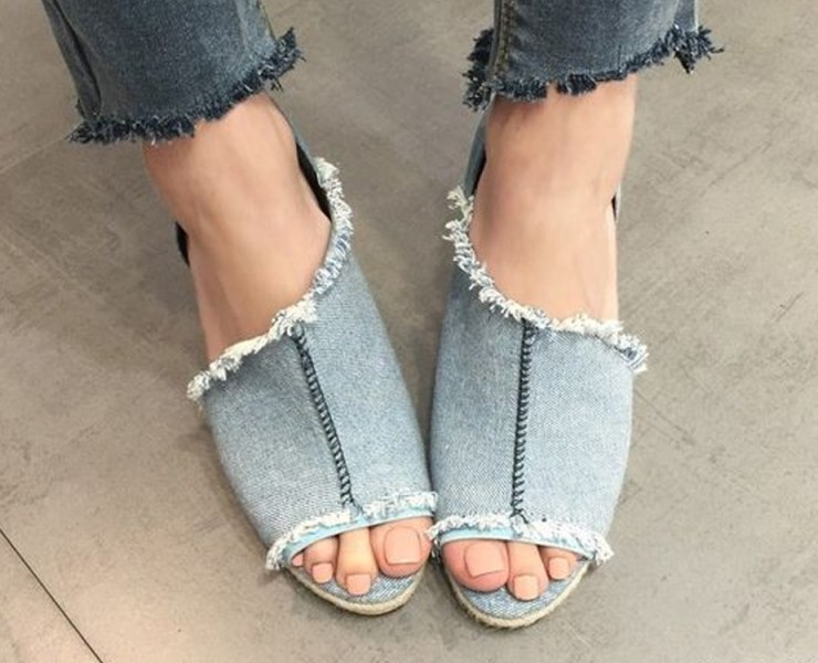 Gear up for summer with these blue denim wedge shoes! No matter if you like faded, distressed, acid washed or classic blue jean, we have rounded-up the best of the best.