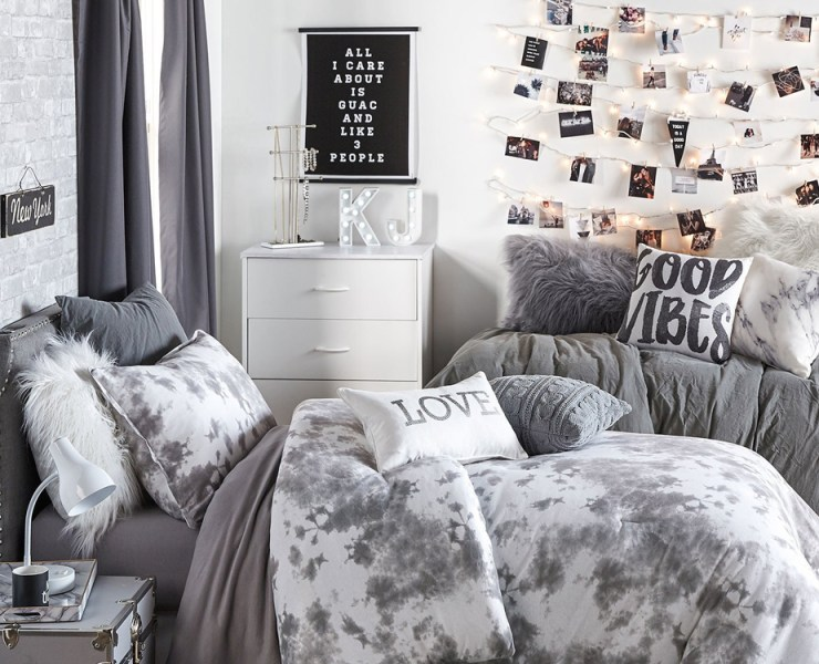 Are you looking for cheap ways to decorate your space at school? Take a look at this round up of products and looks we have gathered! No matter your style, we have a look for you!